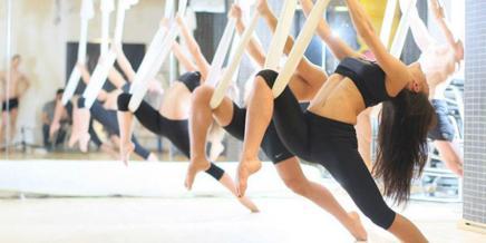 Γνωρίστε την Aerial yoga